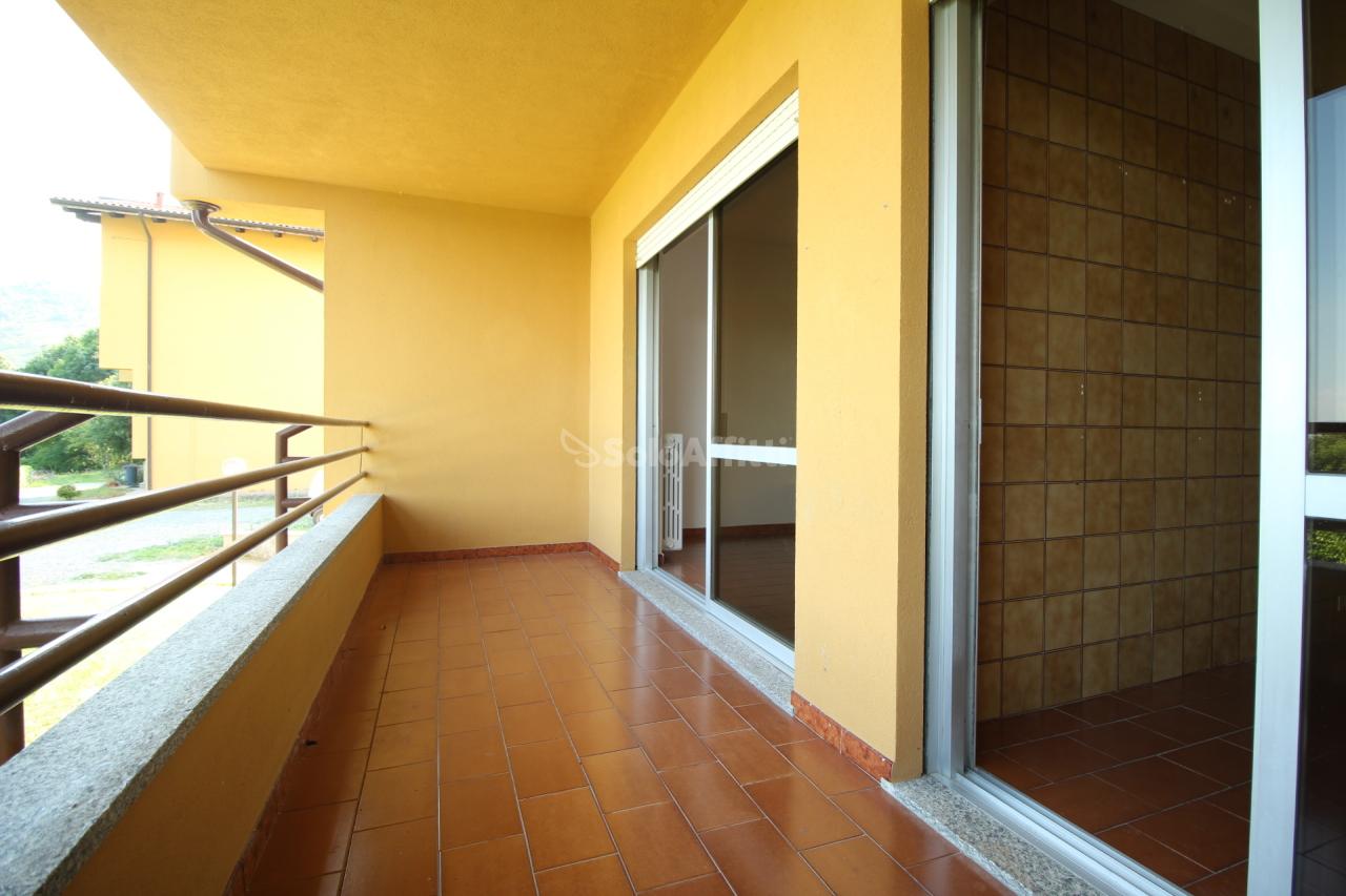 Trilocale in buone condizioni in affitto Rif. 7420538