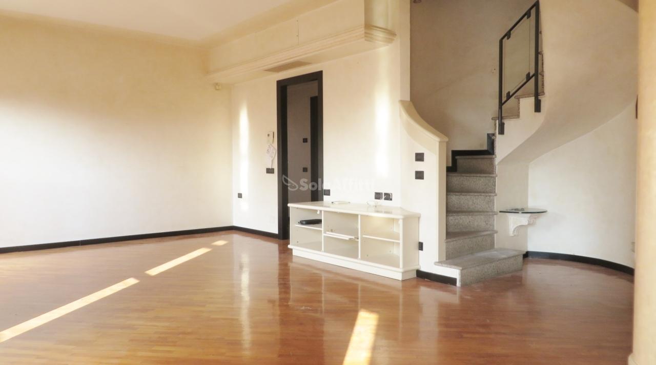 Appartamento in affitto a Legnano, 7 locali, prezzo € 1.800   PortaleAgenzieImmobiliari.it