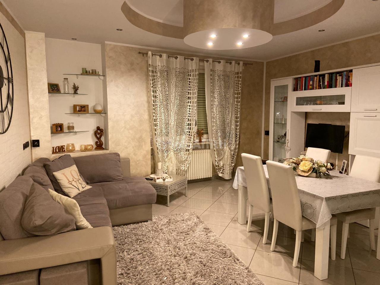 Casa Indipendente in buone condizioni in affitto Rif. 11724196