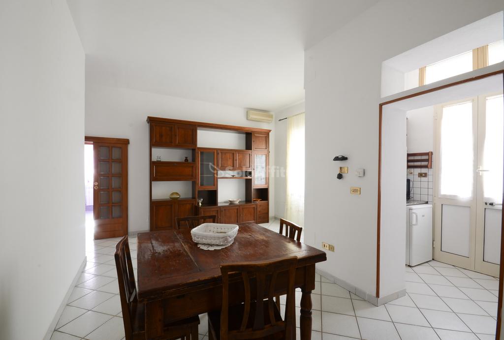 Quadrilocale in buone condizioni in affitto Rif. 10063106