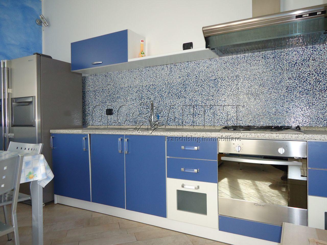 Bilocale in ottime condizioni arredato in affitto Rif. 9301843