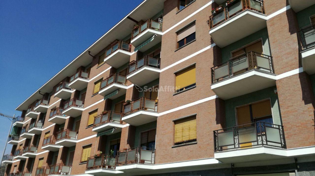 Trilocale in ottime condizioni in affitto Rif. 11093289