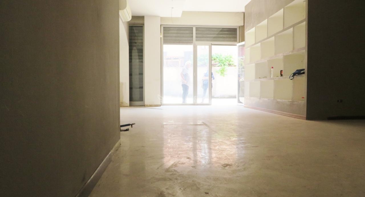 Negozio / Locale in affitto a Parabiago, 1 locali, prezzo € 700 | PortaleAgenzieImmobiliari.it