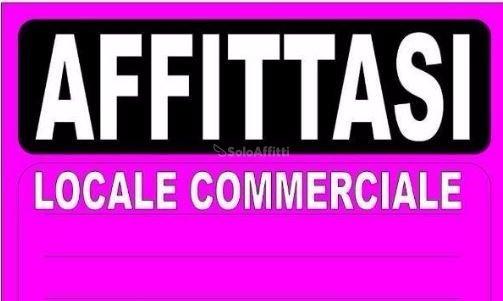 Fondo/negozio - 1 vetrina/luce a Latina Rif. 9992309