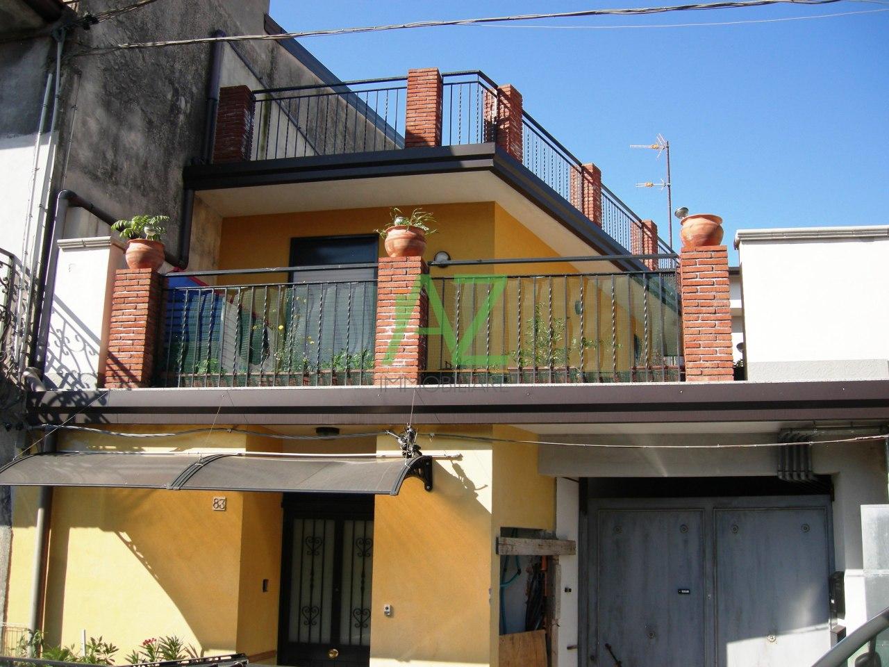 Appartamento - con Terrazzo a Centro, Belpasso
