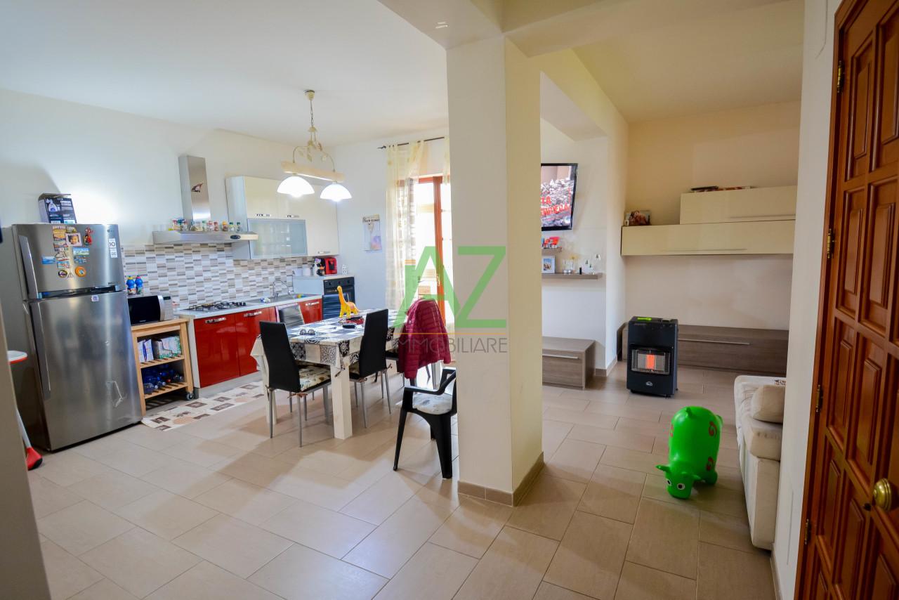 Appartamento in buone condizioni in vendita Rif. 10100715