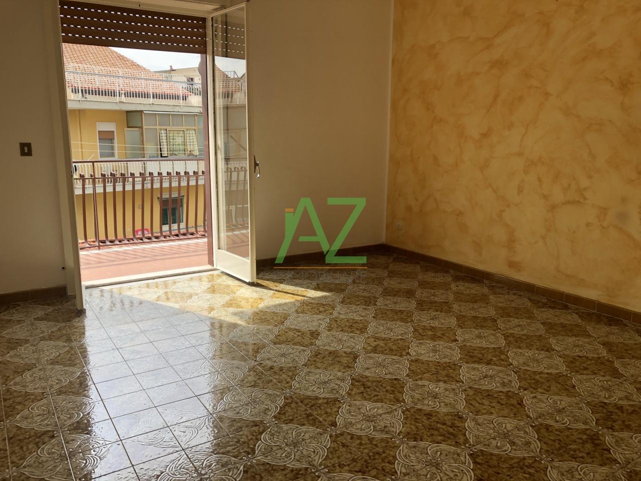 Appartamento da ristrutturare in vendita Rif. 8239167