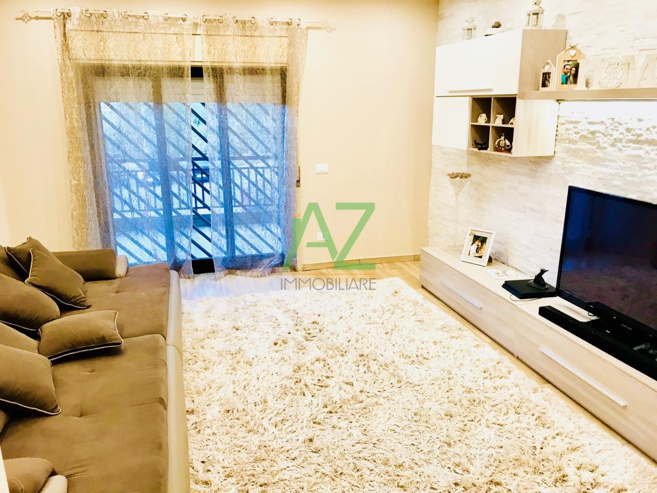 Appartamento ristrutturato arredato in vendita Rif. 8001534