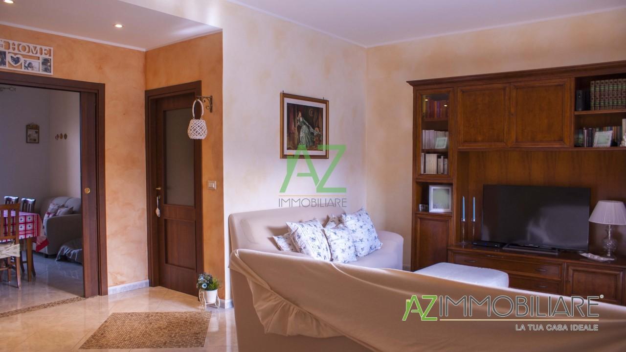Appartamento in buone condizioni in vendita Rif. 4148861