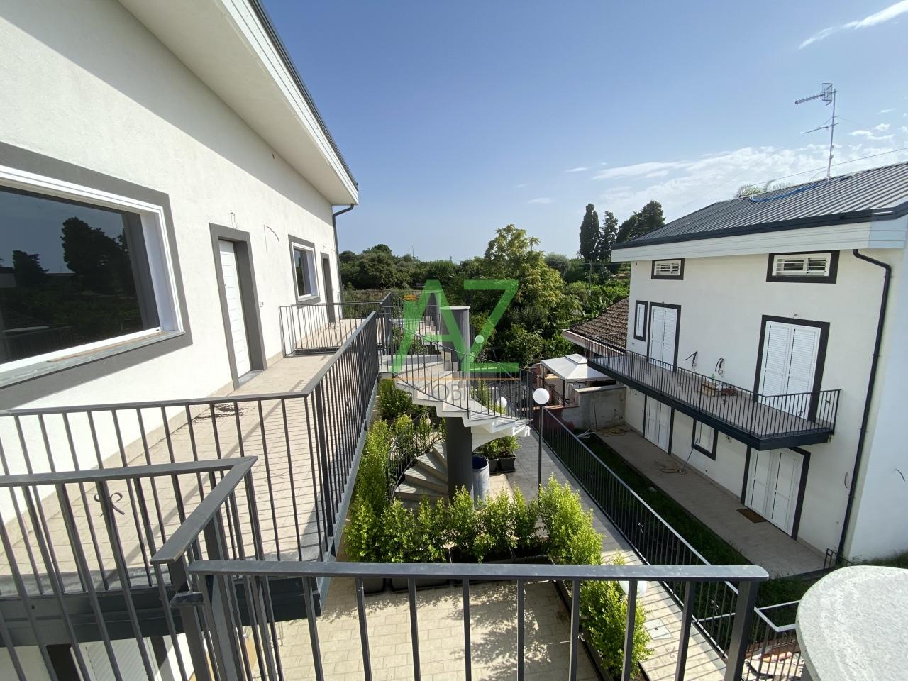 Appartamento in vendita a Acireale, 4 locali, prezzo € 200.000 | PortaleAgenzieImmobiliari.it
