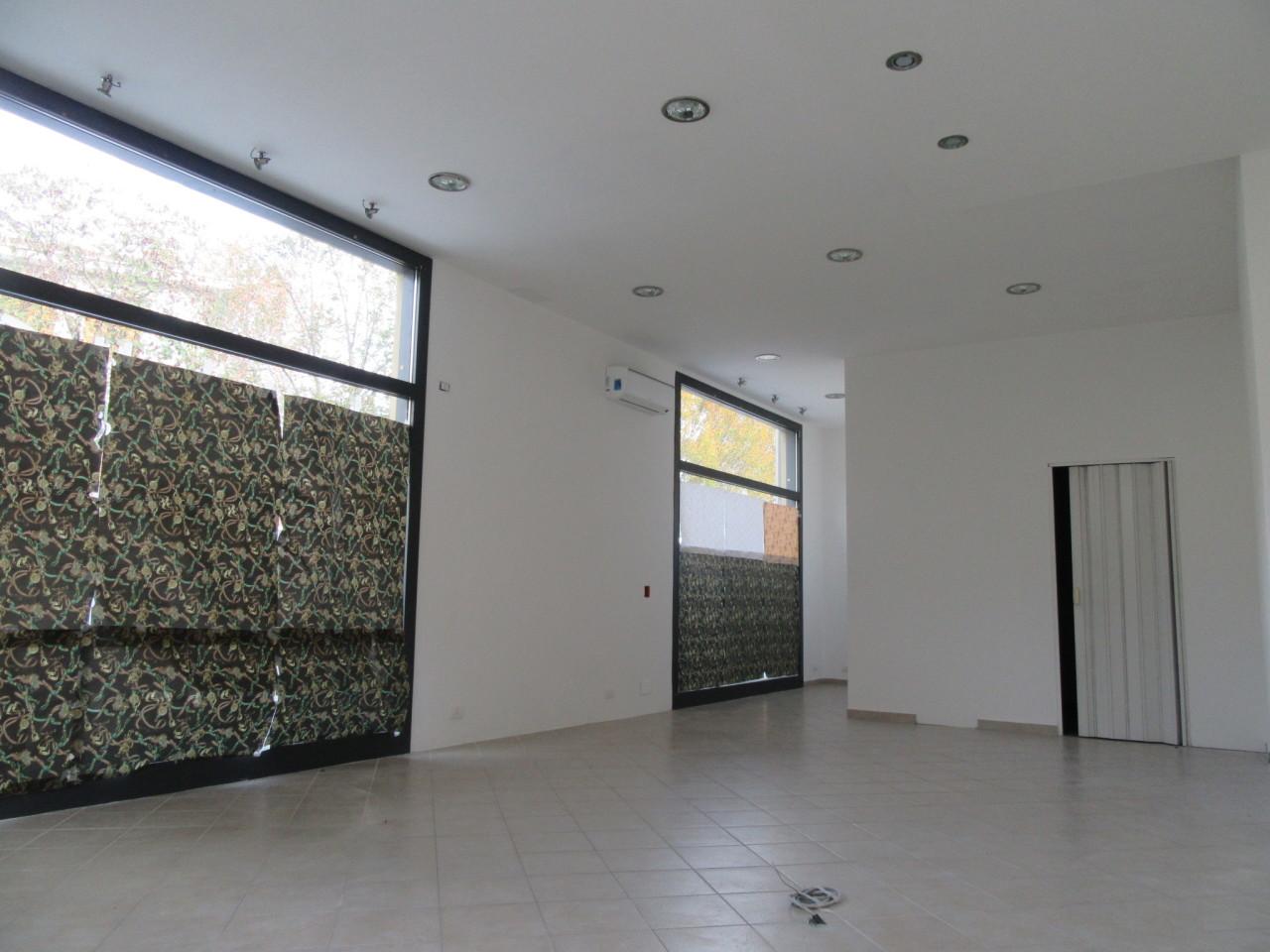 Commerciale - Tre vetrine a Noceto Rif. 7869513