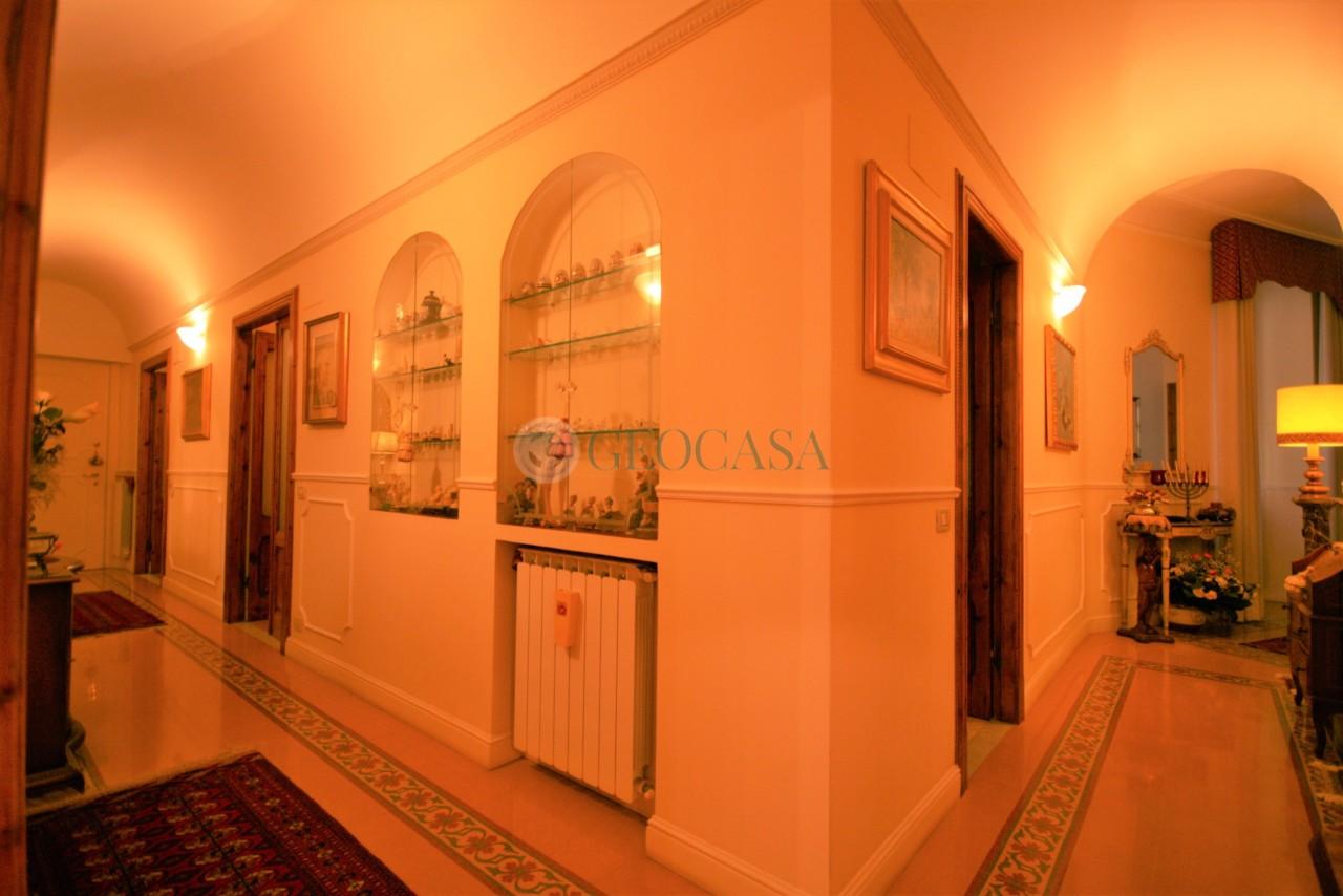 Appartamento in vendita a La Spezia, 8 locali, prezzo € 360.000   CambioCasa.it