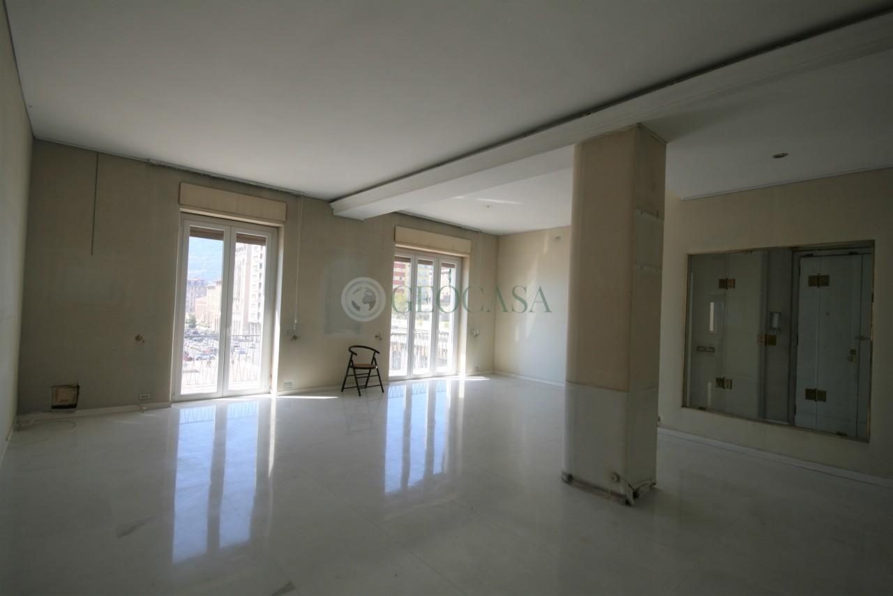Appartamento in vendita a La Spezia, 7 locali, prezzo € 550.000 | PortaleAgenzieImmobiliari.it