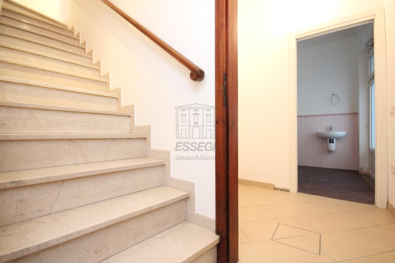 Appartamento Lucca Centro storico IA03397-bis img 13