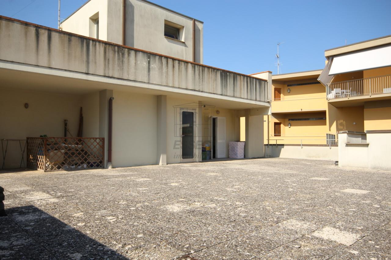 Appartamento Camaiore IA01465 img 7