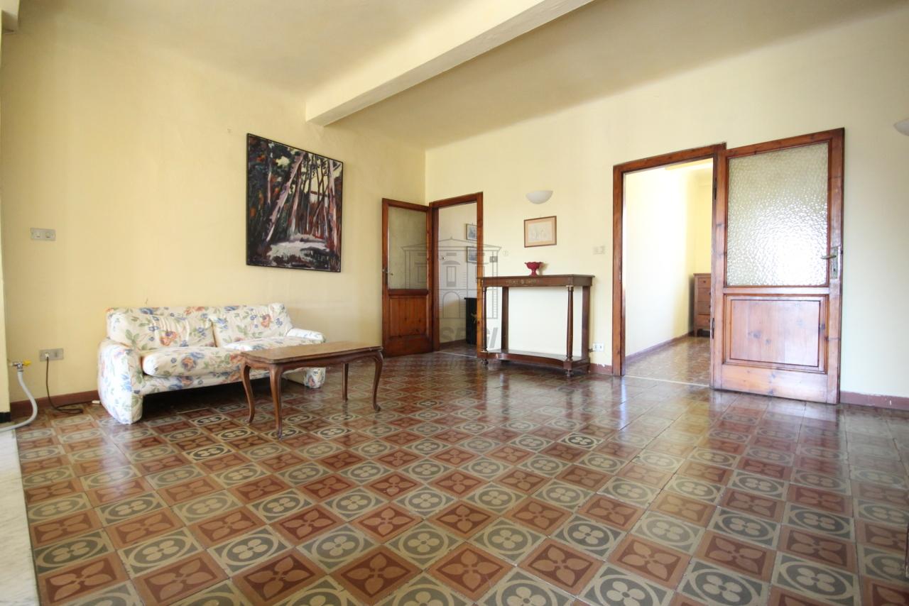 Appartamento Lucca Centro storico IA01549 img 2
