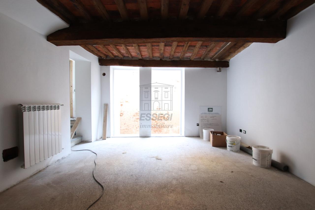 Appartamento Lucca Centro storico IA03503-a img 6