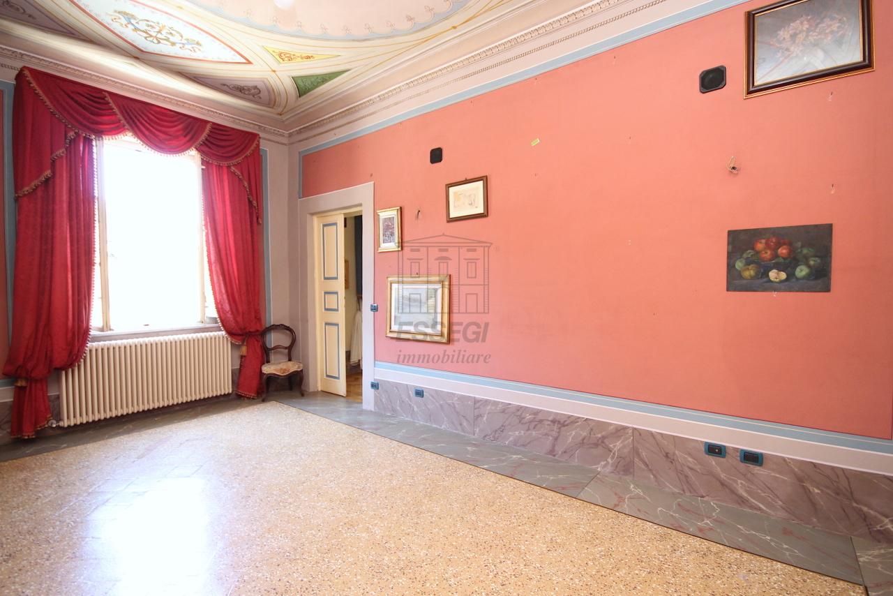 Appartamento Lucca Centro storico IA03358 img 31