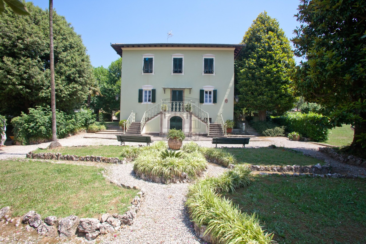 Villa for sale Lucca