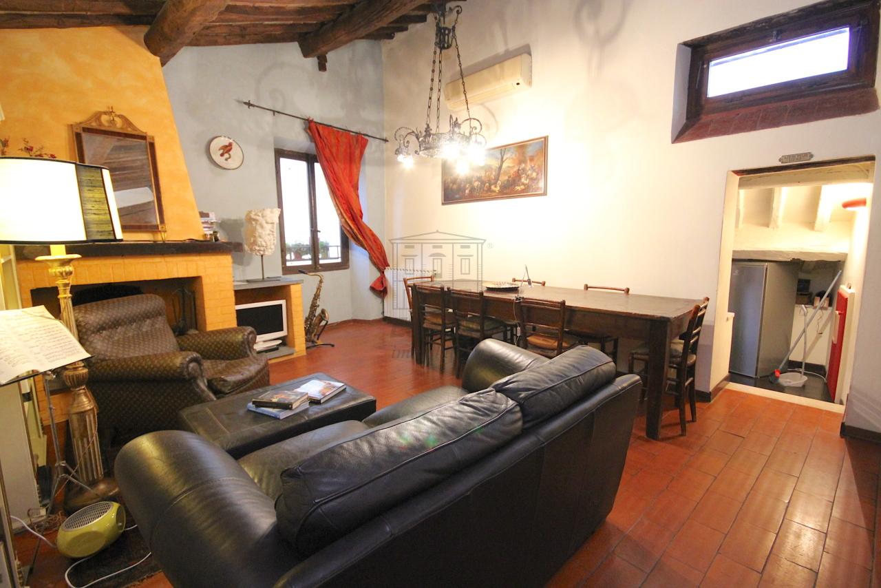 Appartamento Lucca Centro storico IA03457 img 3