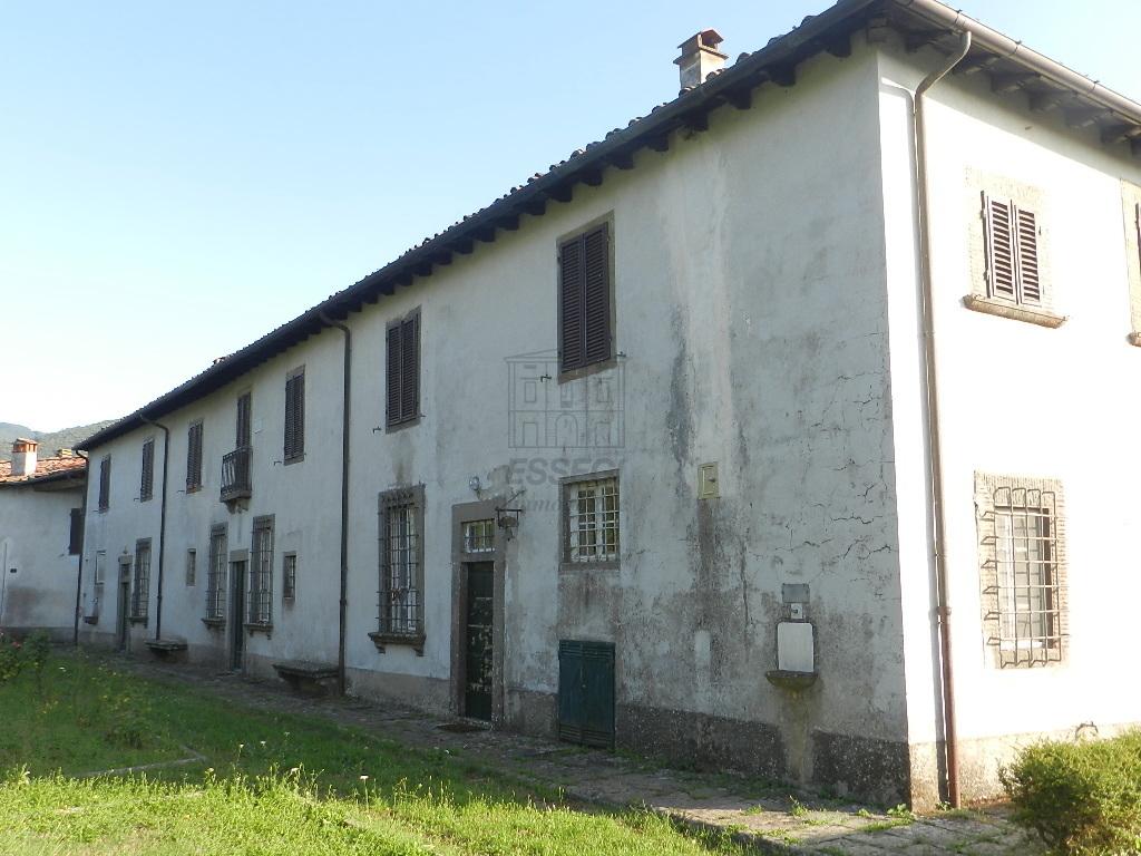 Albergo in vendita a Bagni di Lucca, 50 locali, prezzo € 750.000 | CambioCasa.it