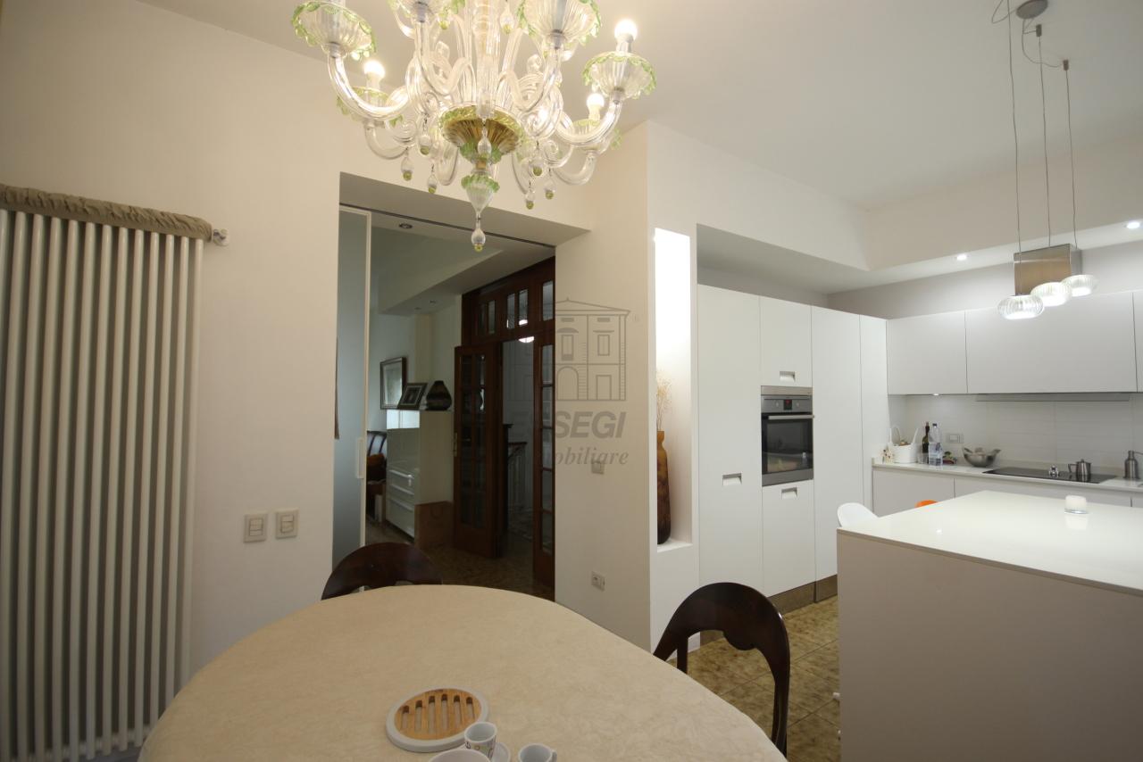 Villa divisa in due unità Lucca S. Anna IA03423 img 5