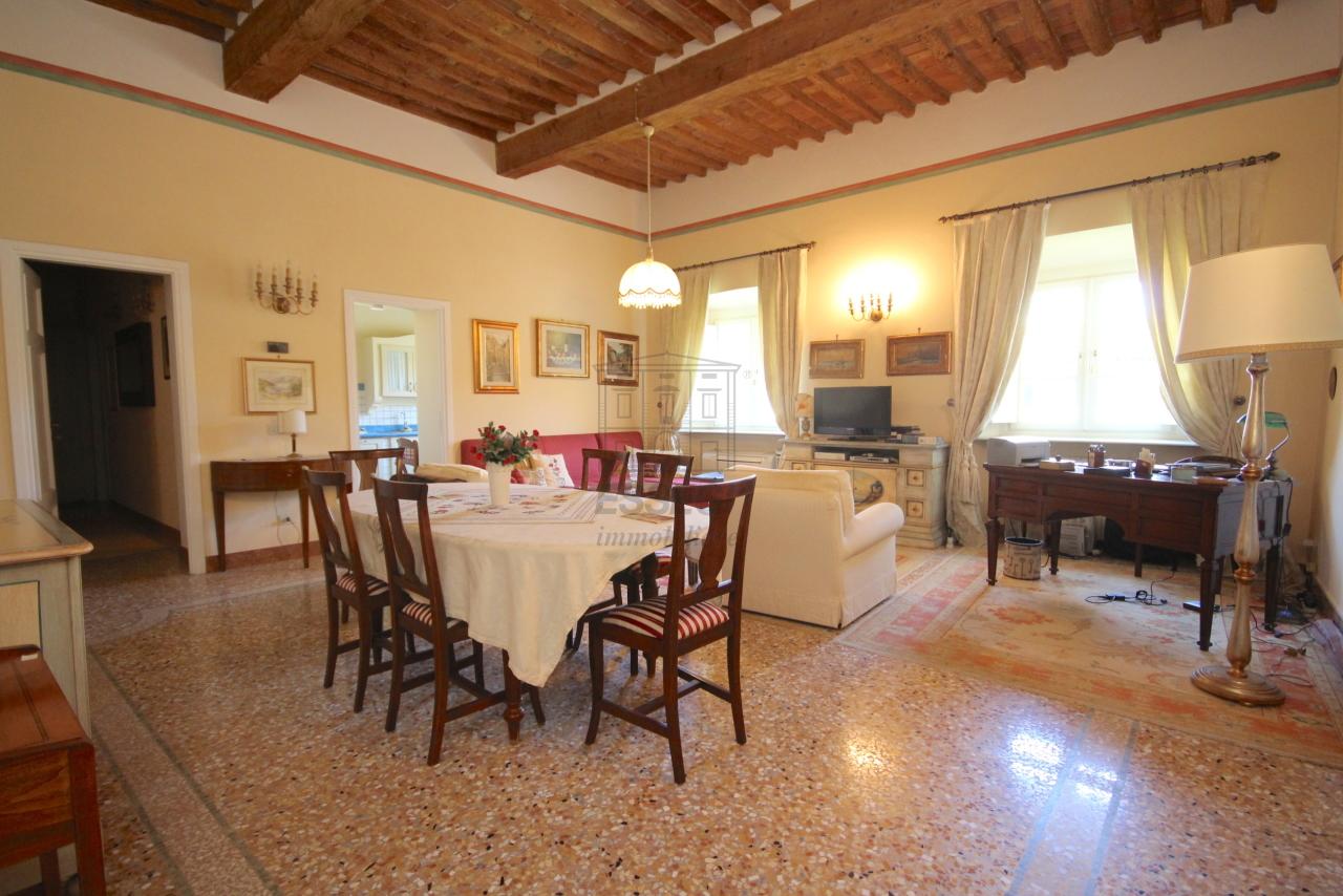 Appartamento Lucca Centro storico IA03340 img 2