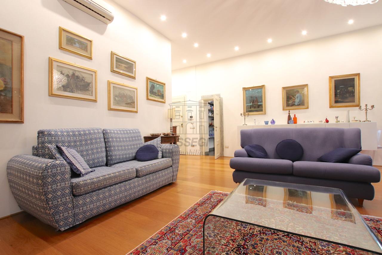 Appartamento Lucca Centro storico IA03474 img 6