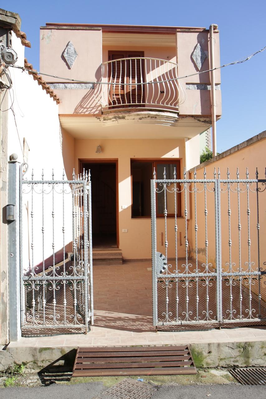 Casa Indipendente in buone condizioni in vendita Rif. 8828089