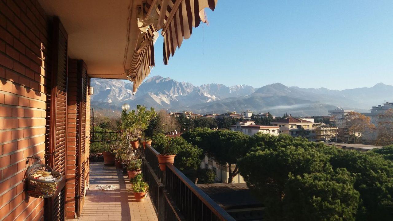 Appartamento - Attico a Marina Di Carrara, Carrara