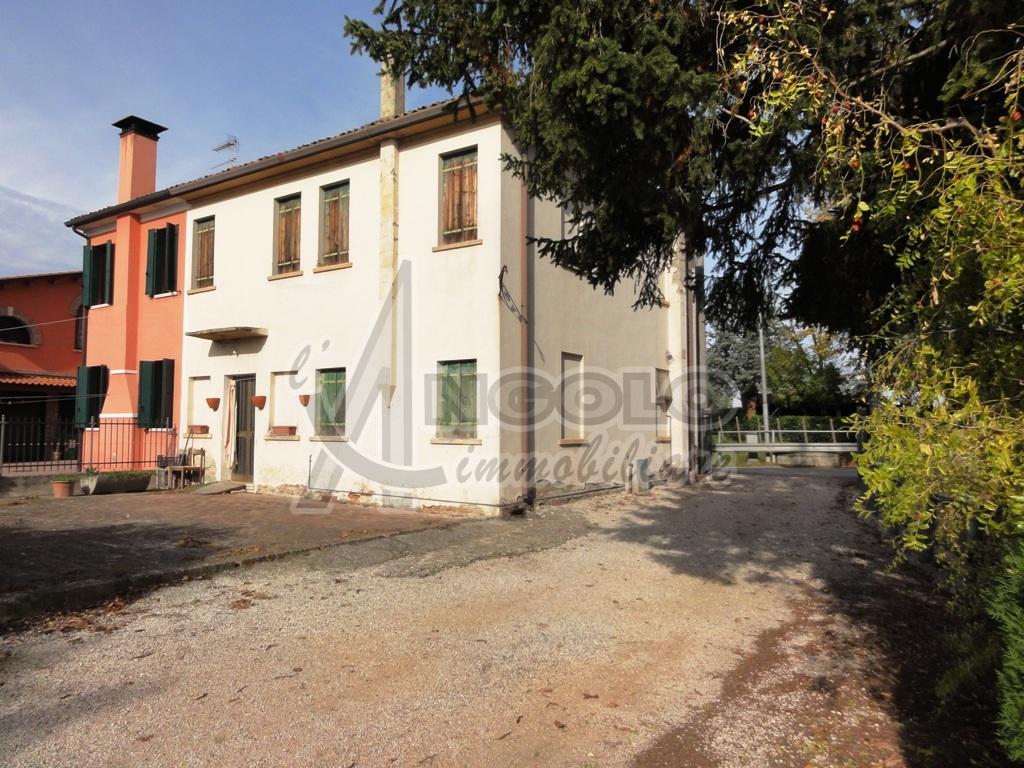 Porzione di casa in vendita Rif. 4147522