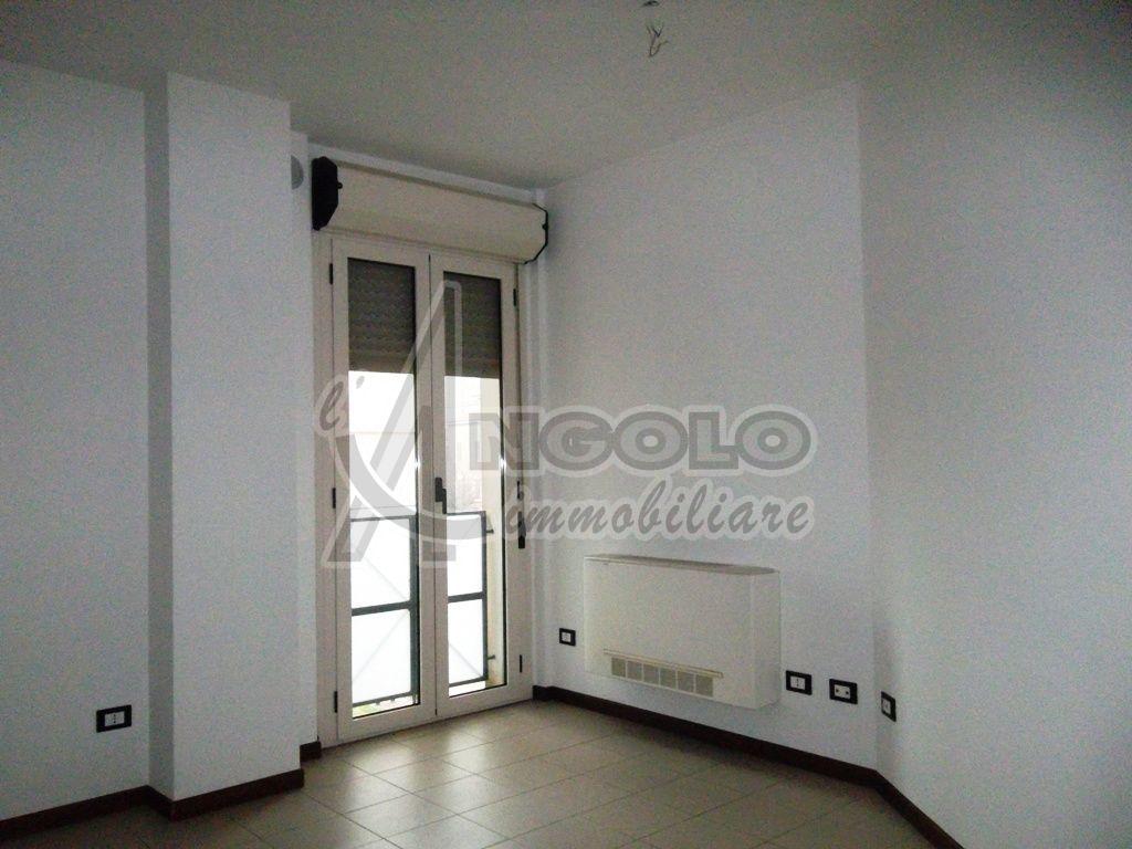 Ufficio / Studio in affitto a Rovigo, 3 locali, prezzo € 350 | CambioCasa.it
