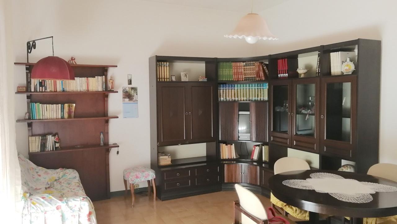 Appartamento in buone condizioni arredato in vendita Rif. 6785593