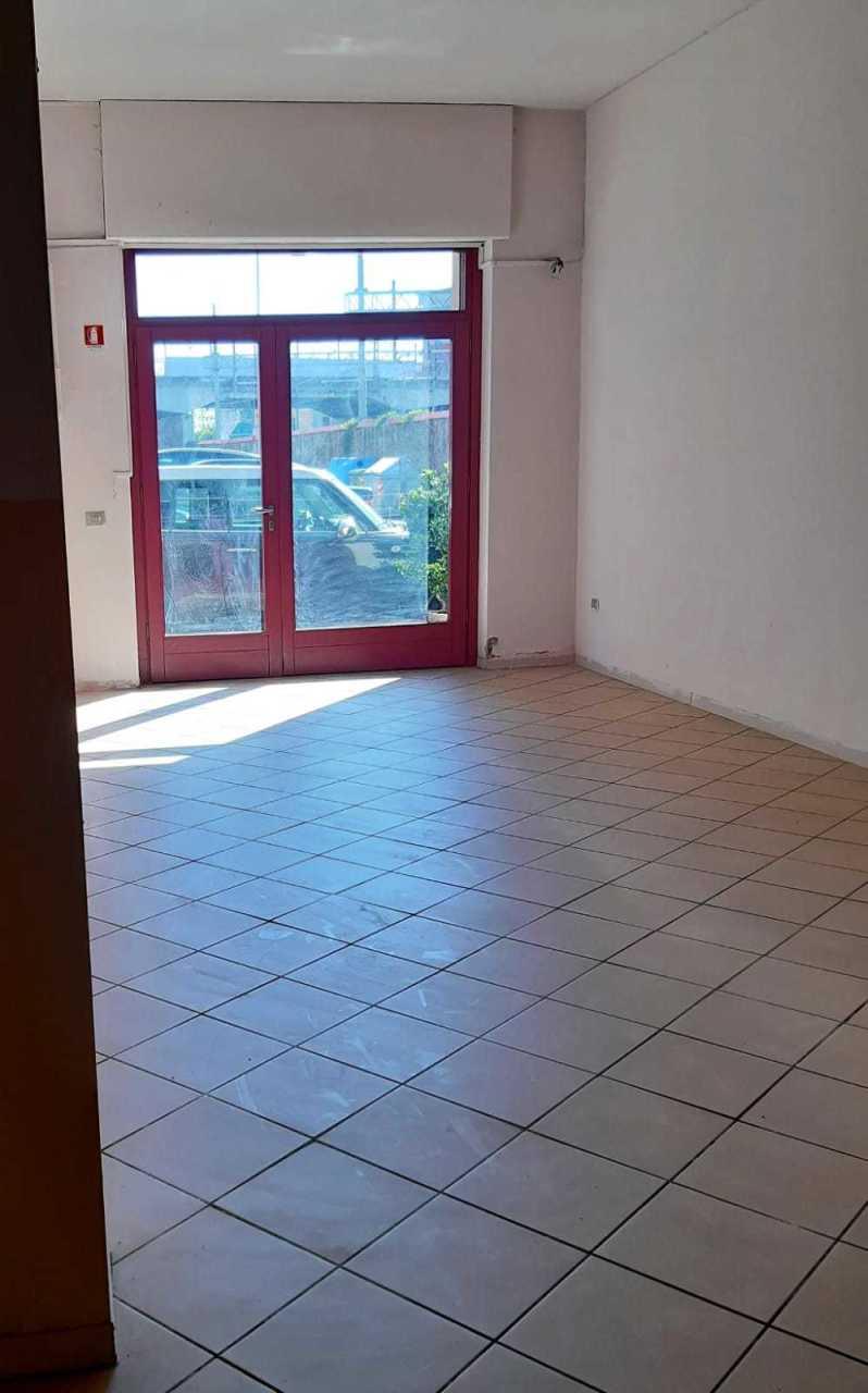Capannone in vendita a Pistoia, 2 locali, prezzo € 180.000 | CambioCasa.it