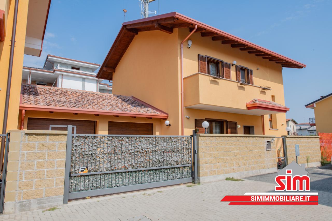 Villa in vendita a Trecate, 4 locali, prezzo € 250.000 | PortaleAgenzieImmobiliari.it