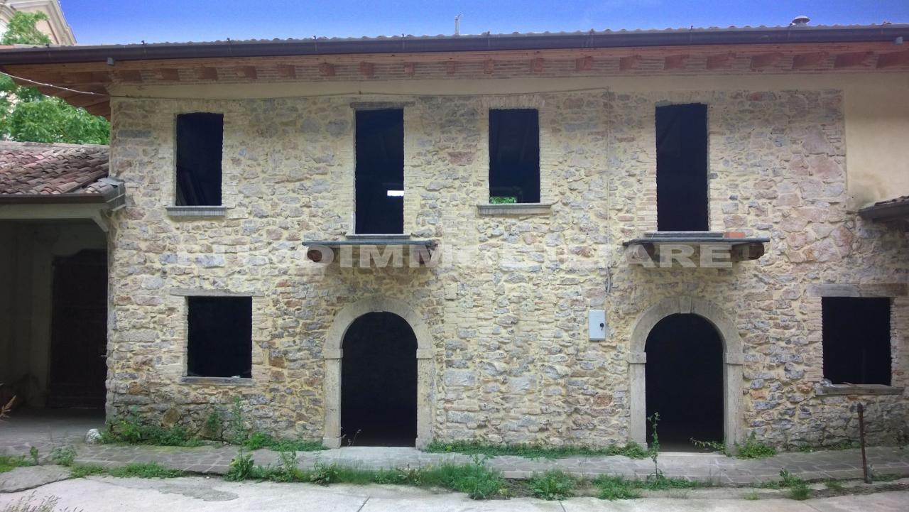 Soluzione Indipendente in vendita a Preseglie, 16 locali, prezzo € 470.000 | CambioCasa.it