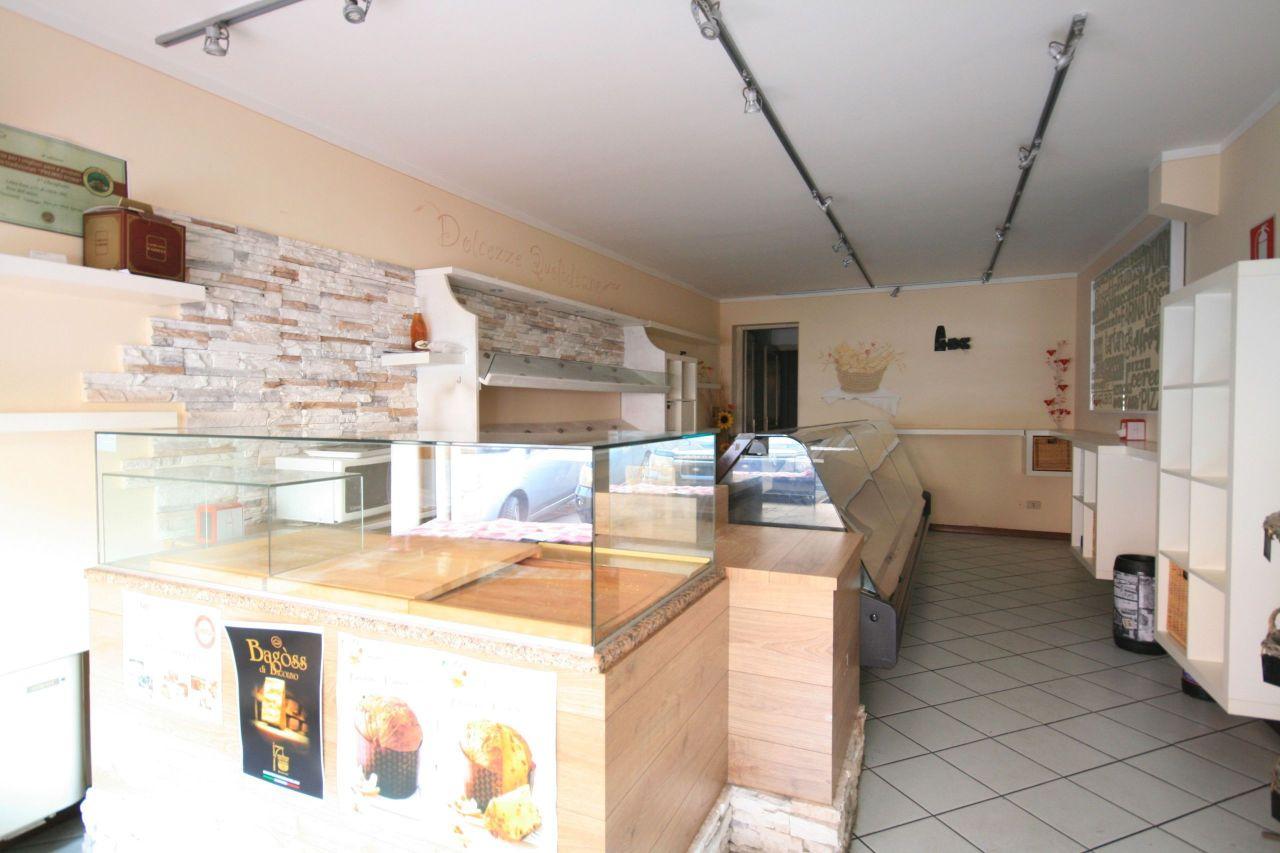Negozio / Locale in affitto a Brescia, 3 locali, prezzo € 600 | CambioCasa.it