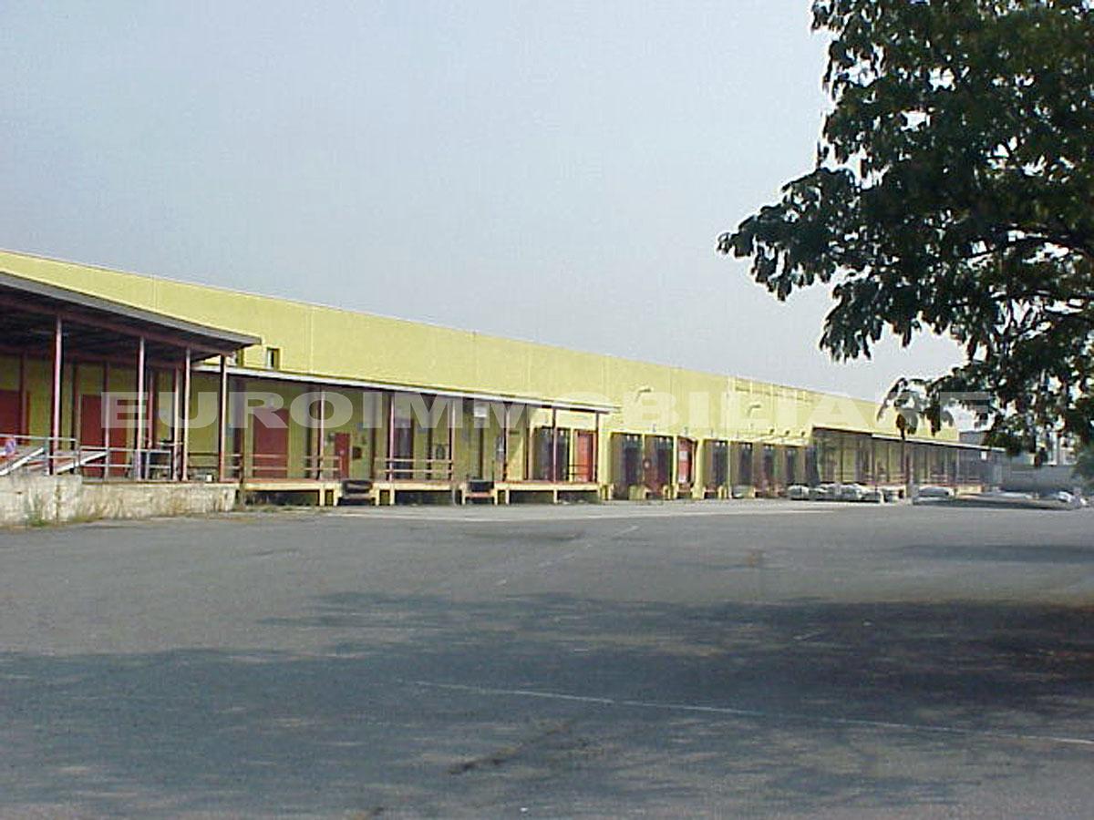 Capannone in vendita a Rodengo-Saiano, 3 locali, prezzo € 4.800.000 | CambioCasa.it