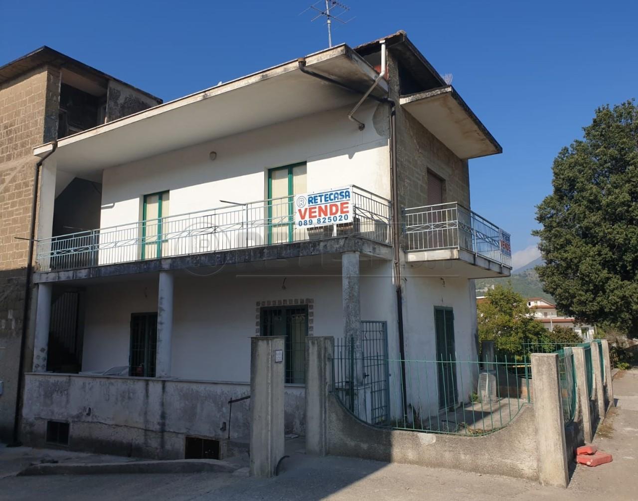 Casa Indipendente in discrete condizioni in vendita Rif. 11493512