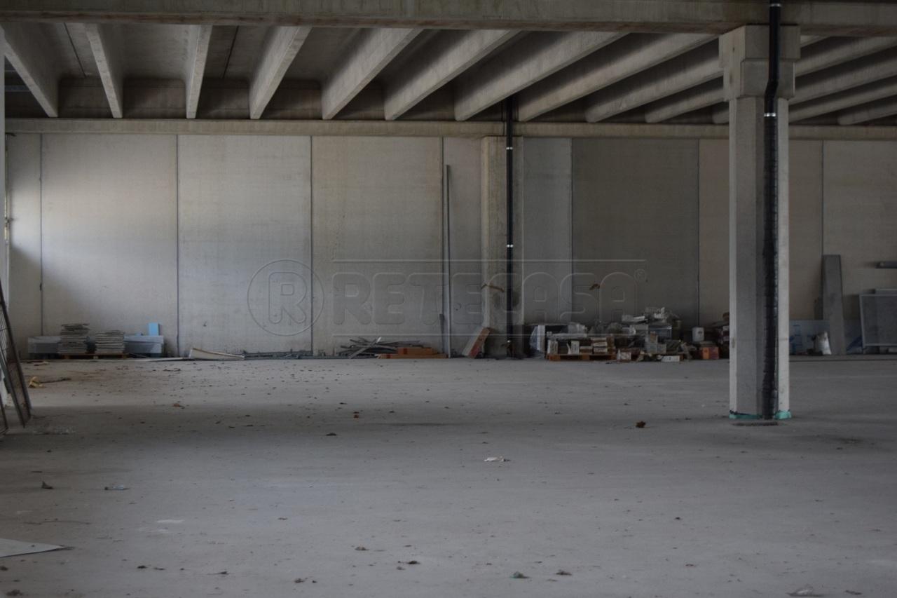 Capannone in vendita a Schio, 2 locali, prezzo € 245.000 | CambioCasa.it