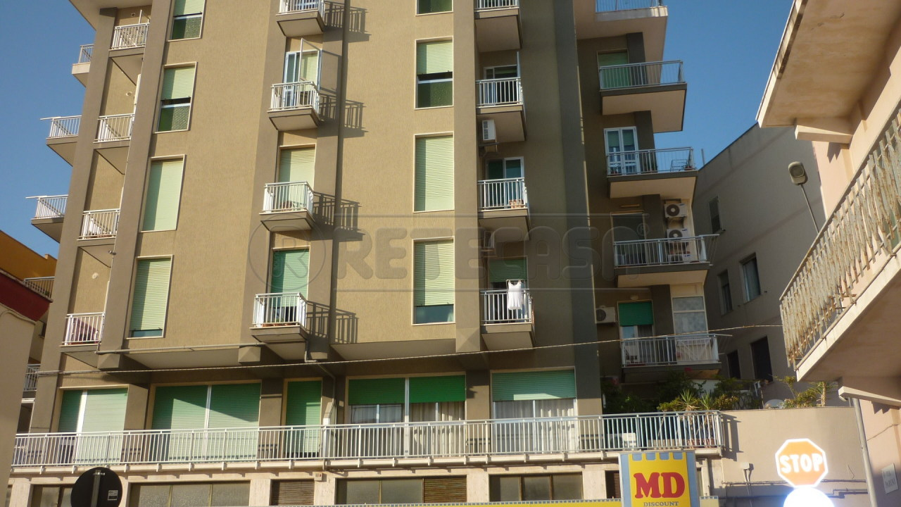 Appartamento in vendita a Gallipoli, 5 locali, prezzo € 155.000 | CambioCasa.it