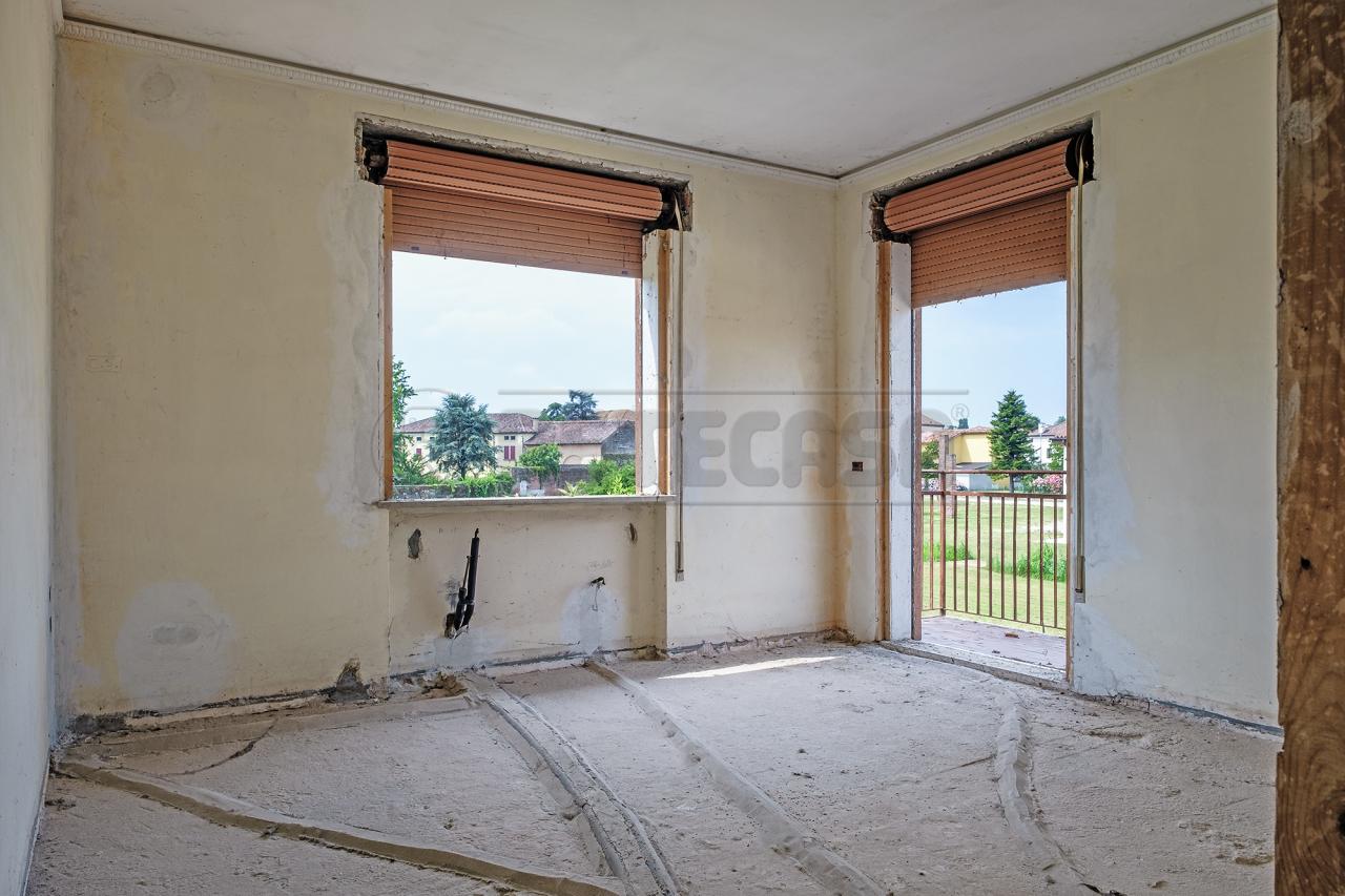 Soluzione Semindipendente in vendita a San Pietro in Gu, 10 locali, prezzo € 133.000 | CambioCasa.it