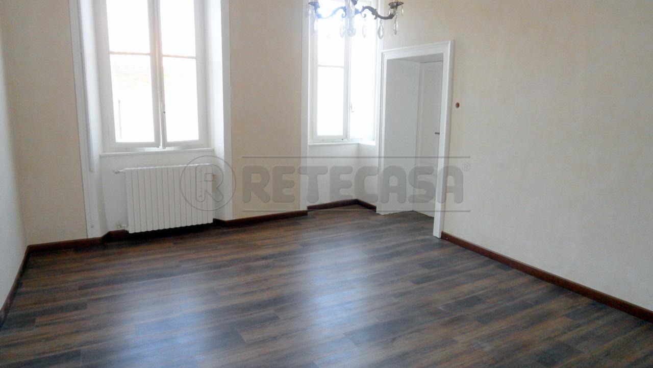 Appartamento in affitto a Mantova, 6 locali, prezzo € 800 | CambioCasa.it