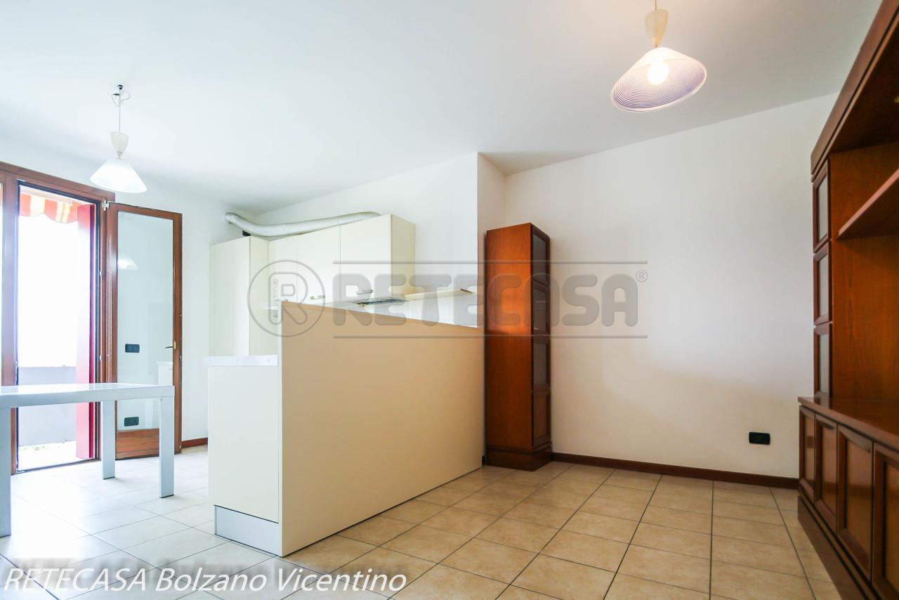 Appartamento in vendita a Schiavon, 3 locali, prezzo € 86.000 | CambioCasa.it