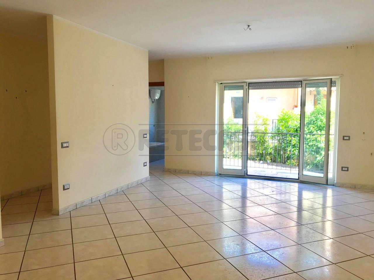 Appartamento in buone condizioni in vendita Rif. 6050713