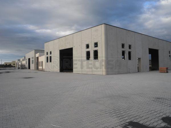 Capannone in vendita a Melilli, 4 locali, prezzo € 600.000 | CambioCasa.it