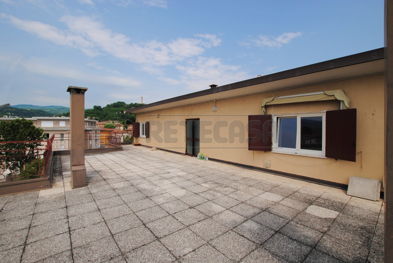 Appartamento in vendita a Trissino, 5 locali, prezzo € 69.000 | PortaleAgenzieImmobiliari.it
