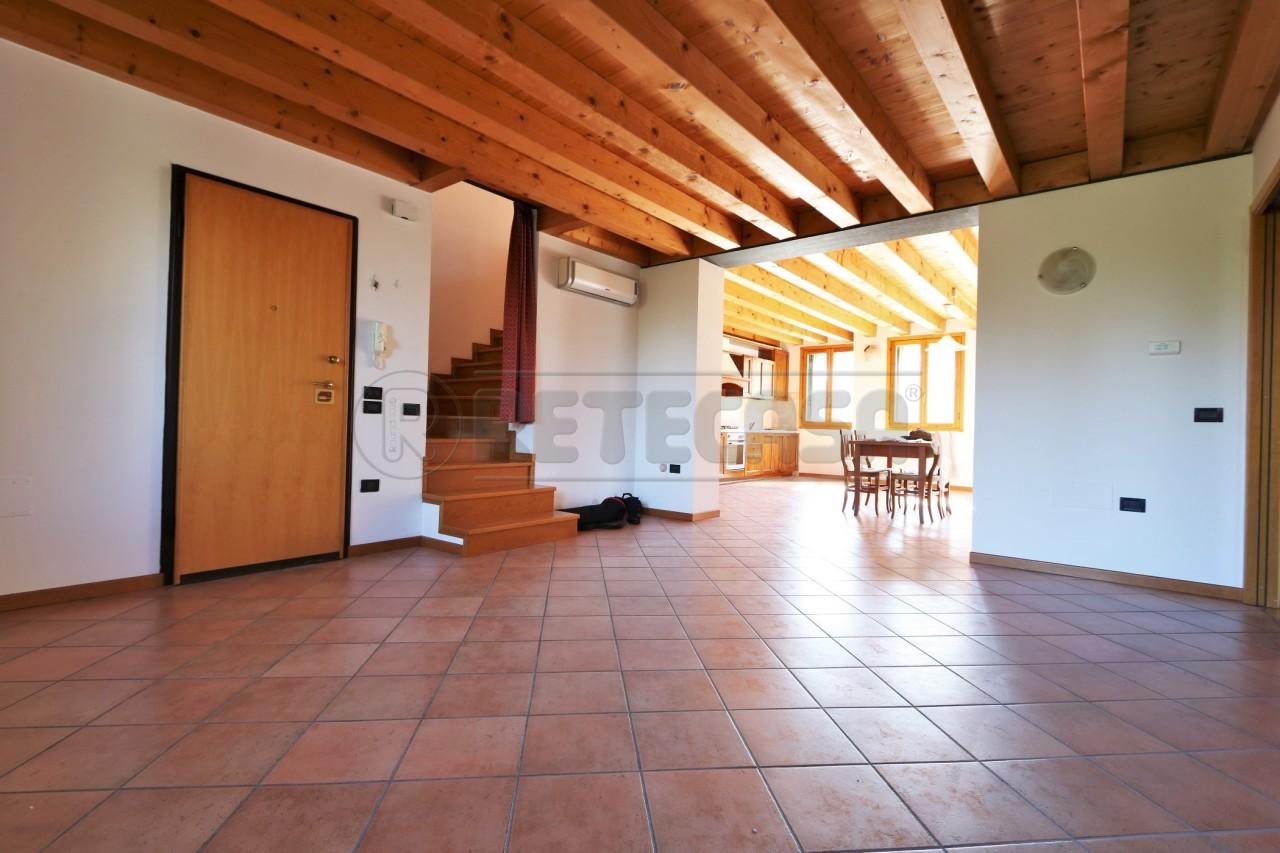 Quadrilocale in ottime condizioni in affitto Rif. 12389128