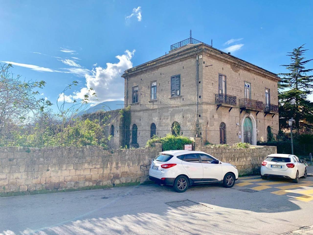 Villa in discrete condizioni in vendita Rif. 9209049