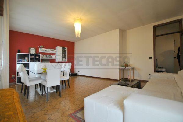 Appartamento a Centrale, Castelgomberto